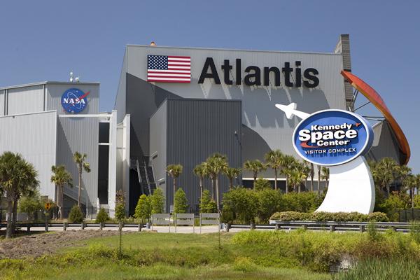 Kennedy Space Center, onde você pode ver lançamentos de foguetes de verdade! | (c) NASA
