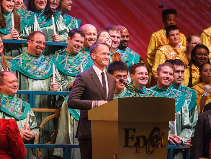 Neil Patrick Harris apresentando o Candlelight Processional. Suit up!