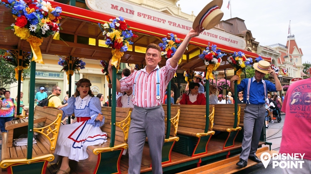 Show que acontece na Main Street na Disney Orlando Magic Kingdom