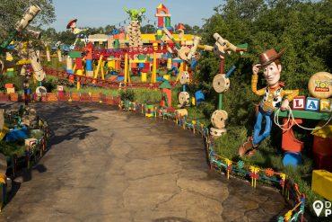 A entrada da nova Toy Story Land