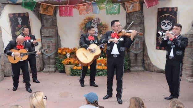 Disney Point Show Coco Viva a Vida é uma Festa Epcot México