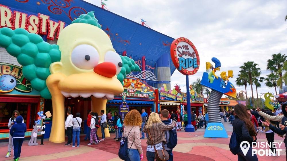 Entrada da atração dos Simpsons em Springfield