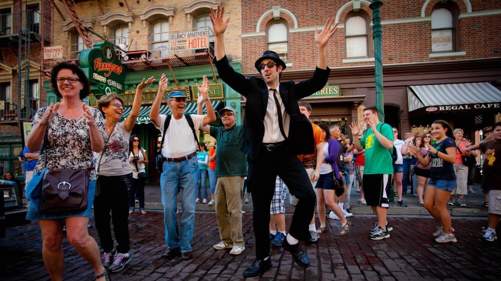 Blues Brothers agitando a galera nas ruas da área New York