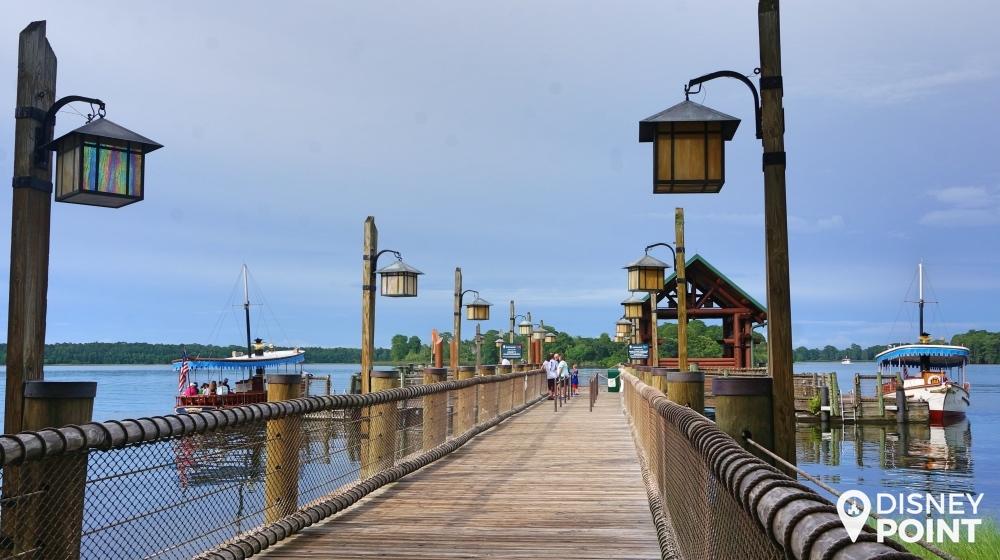 Caminho para o local onde você pega o barco para o Magic Kingdom! Vale o passeio
