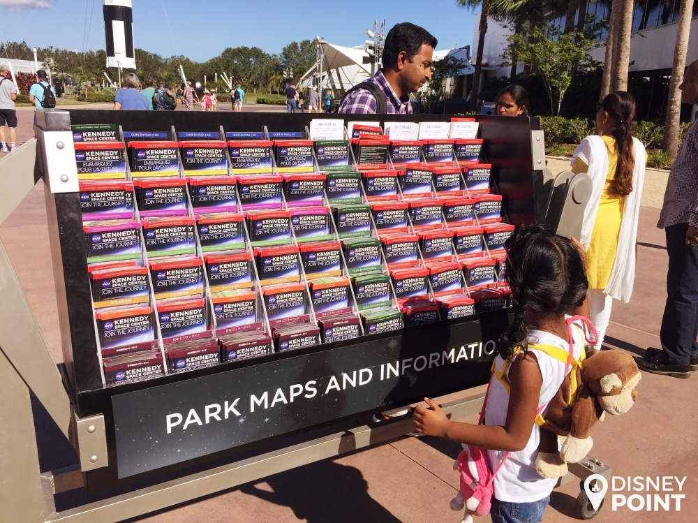 Ao chegar no parque, já pegue o mapa para ver os horários dos filmes e exibições!