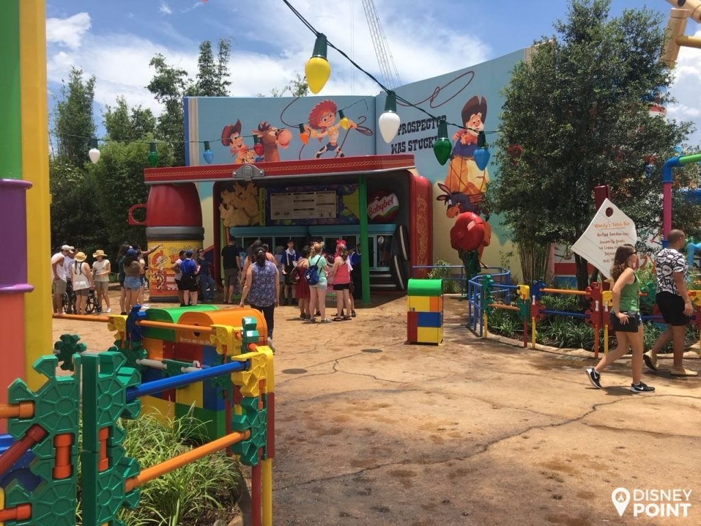 Disney Point Toy Story Land Woodys Lunch Box