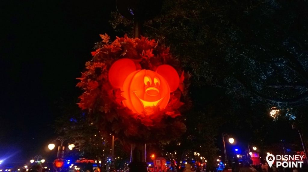 Disney Point Mickey's Not So Scary Halloween Party MNSSHP Disney Abobora-min