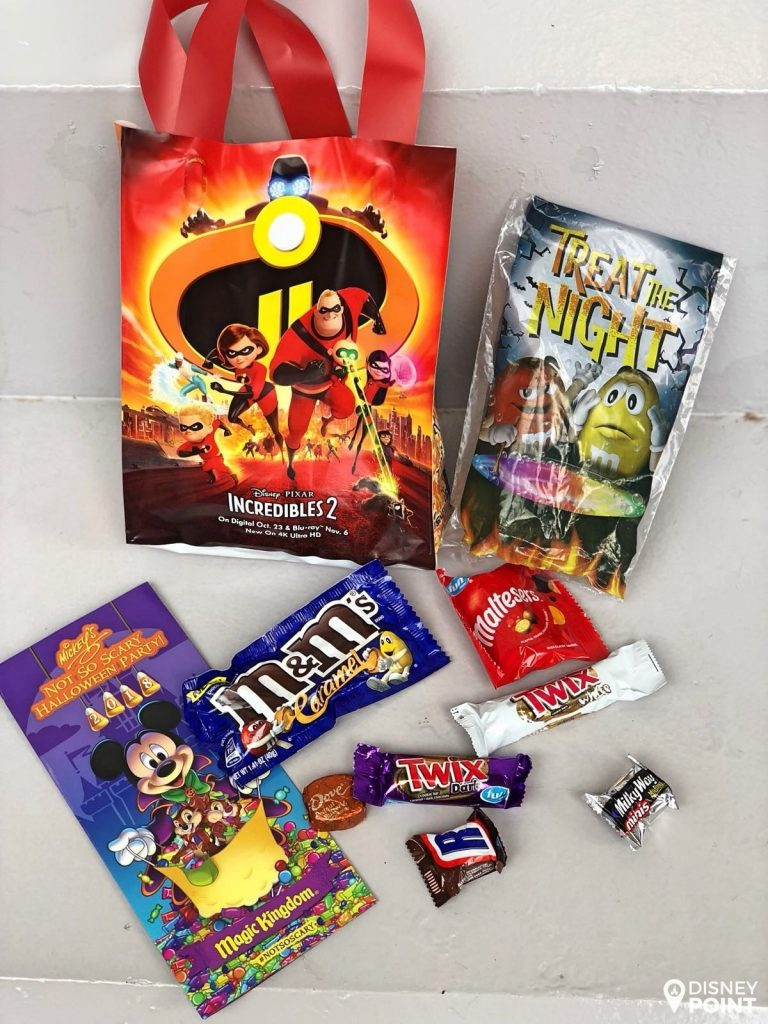 Disney Point Mickey's Not So Scary Halloween Party MNSSHP Disney Saco Doces-min