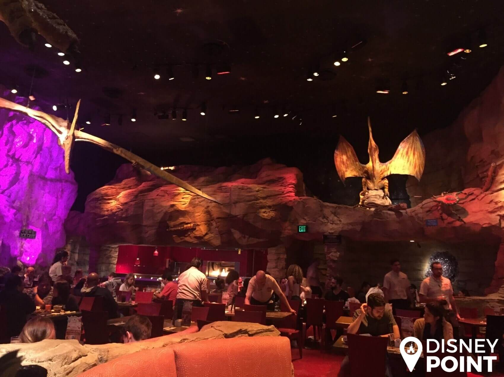 Disney Point T-Rex Dinossauros Springs Meteoro-min