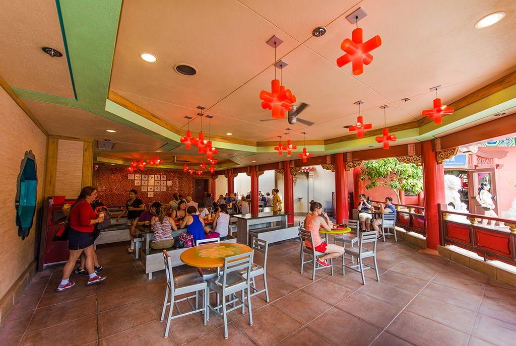 Por dentro do Lotus Blossom Cafe