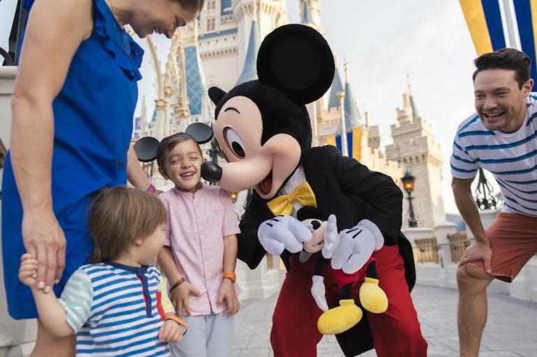 Orlando Com Crianças de Colo