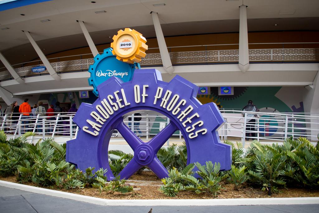 4 Atrações no Walt Disney World criadas por Walt Disney Carousel of Progress