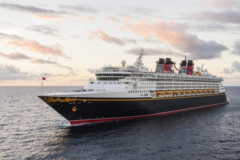 Disney Cruise Line exige que passageiros acima de 12 anos estejam vacinados